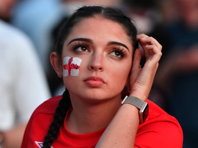 Fifa: molestie, stop a riprese delle tifose attraenti durante le partite