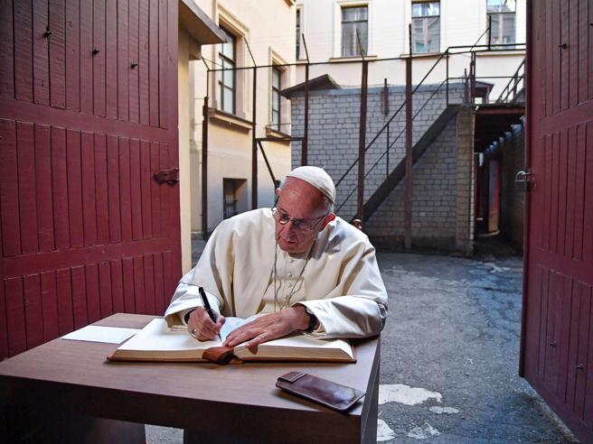 Caro Papa, per ogni donna l'aborto è sempre un dolore