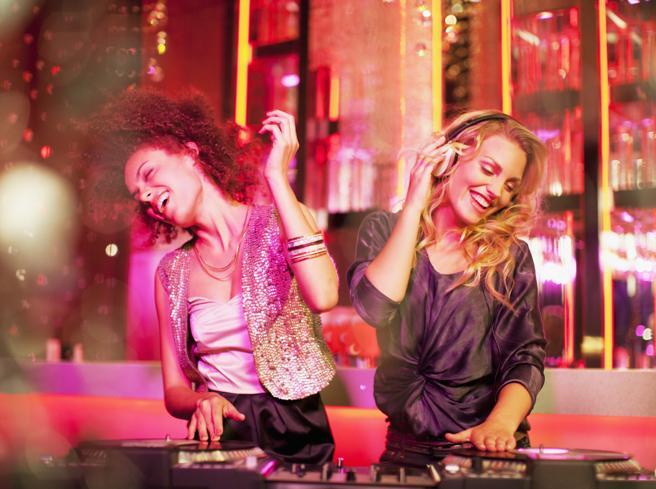 Il Tempo delle donne 2020: ecco perché noi ragazze rivendichiamo (ancora) il diritto di divertirci