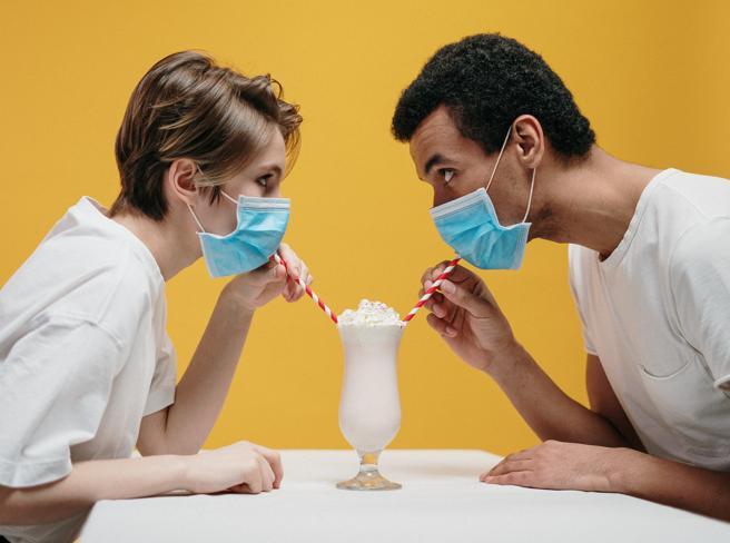 Amori, amanti, flirt virtuali: raccontateci le vostre storie di dating online