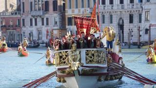 La Regata storica di Venezia lungo il Canal Grande